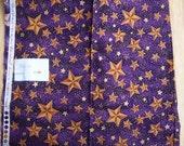 Fat Quarter - Gold stars on deep purple ground