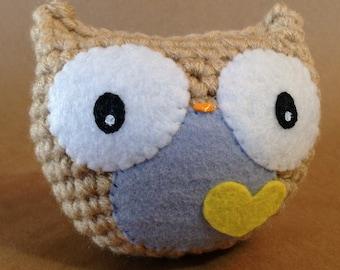 Owl // crochet amigurumi doll toy // light blue + yellow