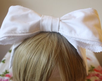 White Lace Trimmed Lolita Fashion Wired Headbow