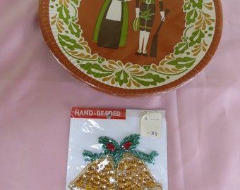 """One Pack of 8 Vintage Paperplates size 7"""".Pilgrim Design One sequined Bell Applique"""