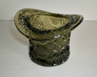 Vintage Glass Top Hat  Daisy Buttons and Bows Pattern Green Glassware