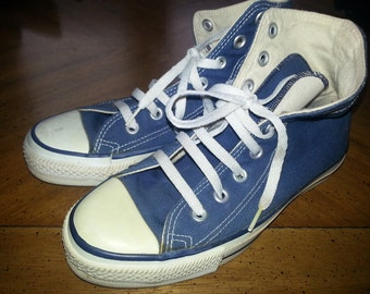 Vintage Great Condition Converese Chuck Taylors All Star Size 4 Mens Size 6 Ladies Blue High Top Sneakers from the 1970s Made In America