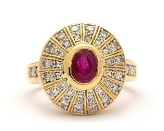Ruby Vintage Style Ring in 18k Yellow Gold