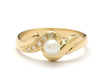 Antique Style Diamonds Yellow Gold Pearl Engagement Ring