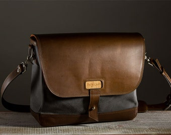 The Messenger Bag - Charcoal/Whiskey