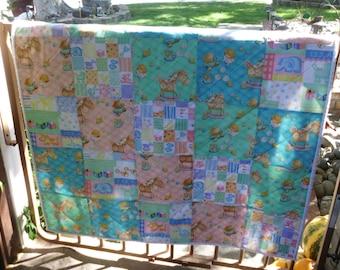 Big blocks baby quilt