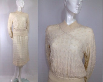 1970s Vintage Missoni wool sweater dress skirt top two piece Winter White Zig Zag Jordan Marsh White Label Made in Italy