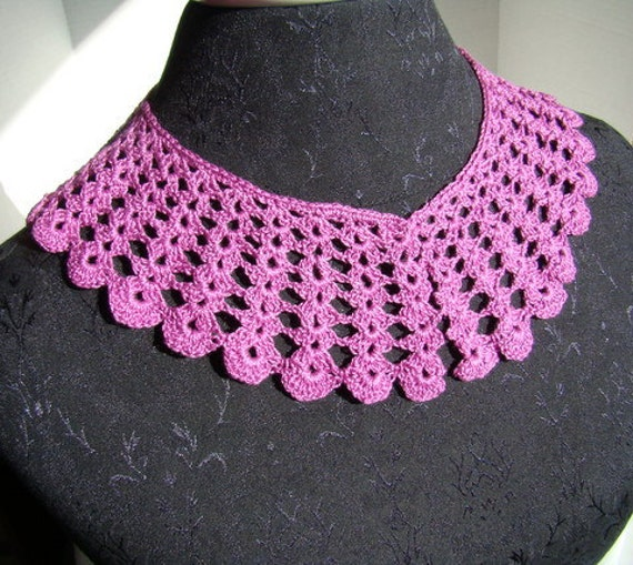 Crocheted raspberry scallop collar