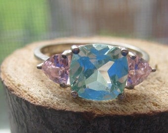 Vintage Avon Sterling Silver Ladies Ring with Pink and Aquamarine Color Cubic Zirconium Size 10