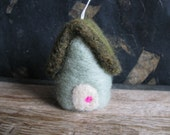 Wool house ornament, Mint Green, needle-felted Christmas decor, housewarming gift, new house gift, newlywed gift, felted wool house ornament