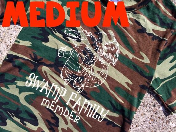 MEDIUM gator CAMO t-shirt