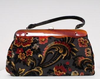 Vintage 50s Purse / Vintage60s / Tapestry bag / Velvet bag / Floral / Velvet black & Red and Gold Black Carpet Fabric Handbag Purse