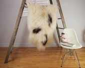 Large SPOTTED Iceland Sheepskin Rug / Throw / Fur - 'Eco-Friendly' (SP-259)