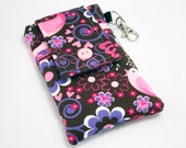 Custom fabric cell phone holder, iPhone 6 6s Plus, iPhone 7 plus, 5 5s 5c 4s smartphone, wallet, case, purse, sleeve, pouch-Singing Tweeties