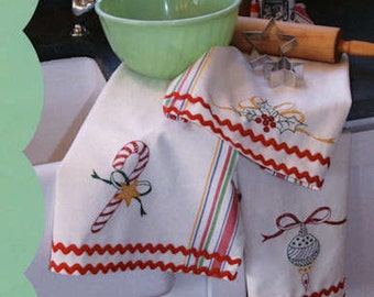 Crabapple Hill Merry Merry Dish Towels Stitchery Pattern  CH 421