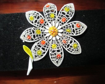 Radiant, Cheerful, Charming ART-Signed Dimensional White, Yellow & Orange ENAMEL and 24k Gold Plate Filigree DAISY Vintage Brooch/Pin