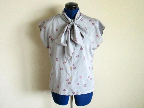 SALE * Ladies Sleeveless Vintage Blouse - Collegian of California brand