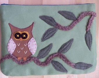 Owl Amongst Branches, Large Pouch