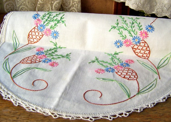 Vintage dresser scarf hand embroidered crochet by