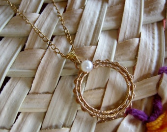 Vintage Circle Pearl Pendant Gold Filled