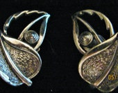 Vintage Sarah Coventry Leaf Style silver tone Earrings