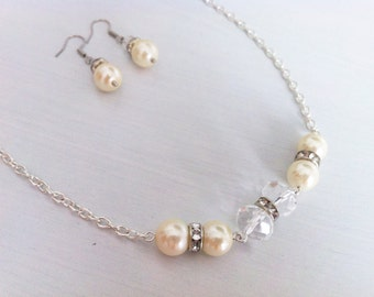 "Pearls and cristal necklace and earrings ""Anastacia"""