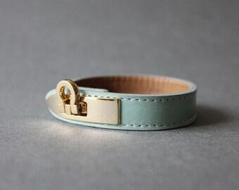 Gancini Metal Ornament Bracelet (MINT)