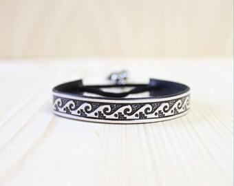 Sea Wave Pattern Leather Wrap Bracelet(Black/Nude)