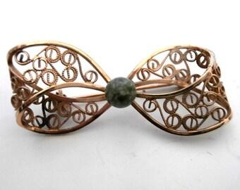 Filigree golden Bow Pin Brooch