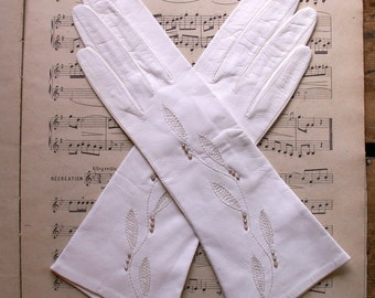 Vintage White Leather Beaded Ladies Gloves - Wedding Gloves