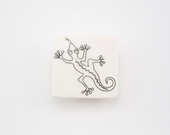 Ceramic Brooch with Lizard - Ceramic Jewellery - Pinback button