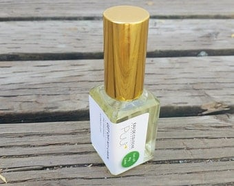Get Off My Lawn Spray Perfume - Green Grass Cologne - Eau de Cologne - Fine Fragrance with Atomizer 1oz Unisex Scent