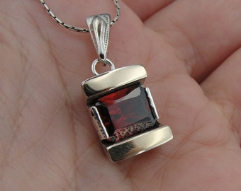 Great Handcrafted 9K Yellow Gold Sterling Silver Garnet  Pendant with silver chain,  Modern pendant, gift for her!  (s p3000)