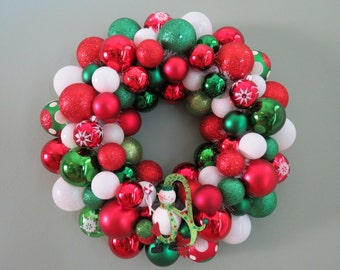 Christmas Wreath -RED WHITE GREEN Snowman Ornament Wreath