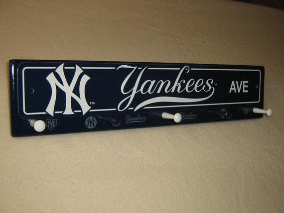 """New York Yankee coat rack """" hangup """"(blue)"""