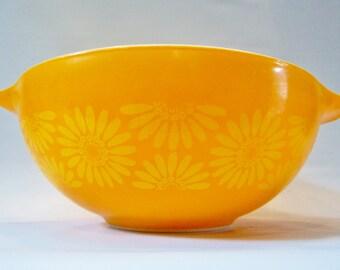 Vintage Modern PYREX Bowl Cinderella Daisies Orange 4QT and 1.5QT