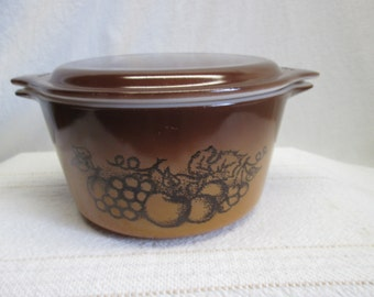 Pyrex Old Orchards Serving Bowl