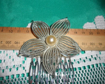 Authentic Vintage Beautiful Large Signed Sarah Cov Sarah Coventry Silver and Faux Pearl Hair Comb, BRIDE, BRIDESMAID, WEDDING