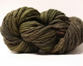 Thick and Thin Merino Yarn Slub Hand Dyed tts(tm) 44tts13024 Pyroxene