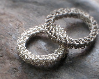 Sterling SILVER Hand Crocheted STACKING RING Engagement Wedding Ring—Custom Size + Oxidation [Bague d'Argent Crochet/Anillo Plata Ganchillo]