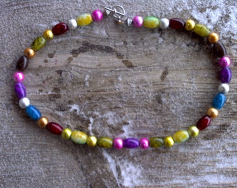 MISC> GLASS AND metal beaded necklace 19 inch