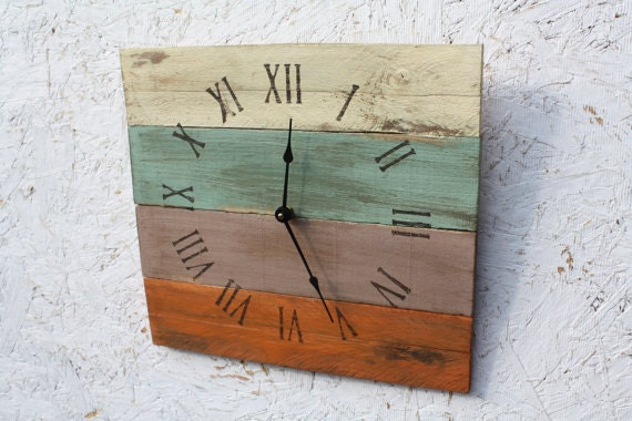 Pallet Wood Clock, Rustic ReClAiMeD Beach House style.Tropical. Coastal..ReCycled wood...distressed...Customize Your Clock