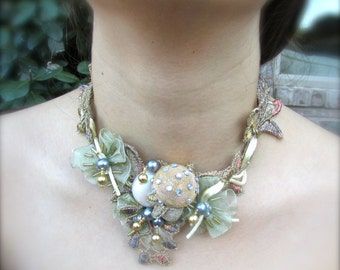 Wedding necklace accessory Lovely metallics chunky