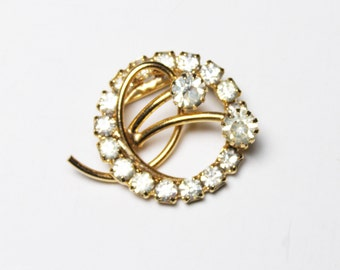 Sparkling Vintage Rhinestone Brooch - Traditional Bling fit for a Bride