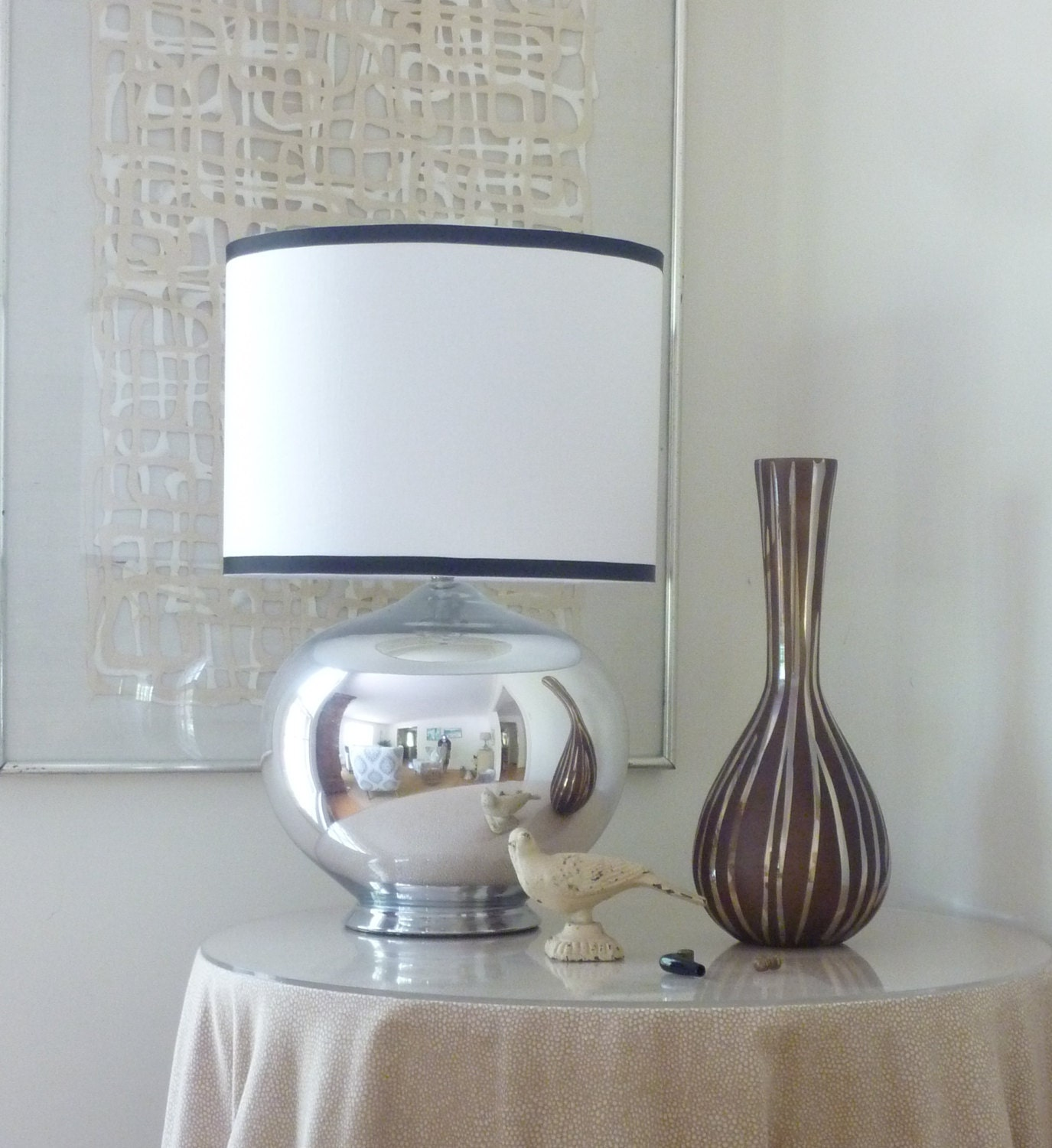 white linen drum lamp shade with black trim by lampshadedesigns. Black Bedroom Furniture Sets. Home Design Ideas