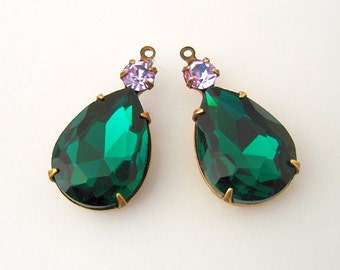 2pcs - Vintage Emerald Faceted Pear Shaped Stone and Round Violet Rhinestone Antiqued Brass Prong Settings.