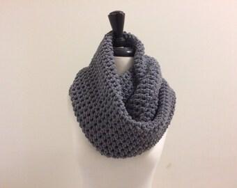 Crochet Circle Infinity Unisex Scarf - TRUE GRAY