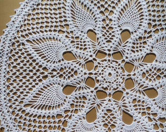 "White Crochet Doily / Large Doily / Pineapple / Round 19 "" /  Lace"