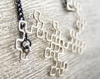 Fractal Necklace - Glow-in-the-Dark Dragon Curve