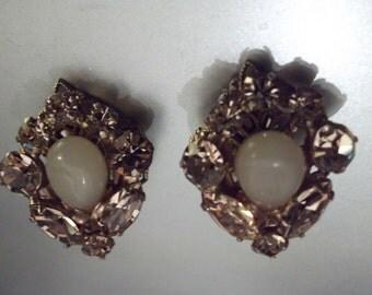 Vintage 1950s golden rhinestone earrings